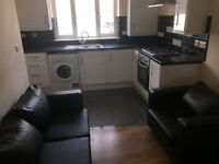 Refurbed clean large 3 double bedroom flat on Balham High Road, 5mins walk to Balham or Clapham tube