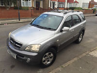 Kia sorento 4wd with full leather and panoramic sunroof 2150£