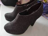 Size 4 Sparkly heeled boots