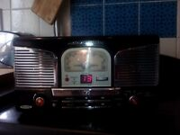 Black retro cd/radio/record player