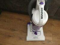 Hoover, pets bagless upright, 1900W