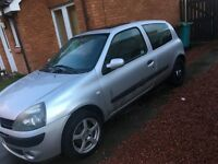 Renault Clio spares or repairs £300 ono