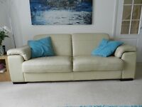 Modern cream leather suite 3 seater and 2 chairs