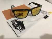 Oakley Hoolbrook golden lenses, Shaun White limited edition.