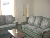 Close Townsend Lane, large furnished first floor flat suitable for couple