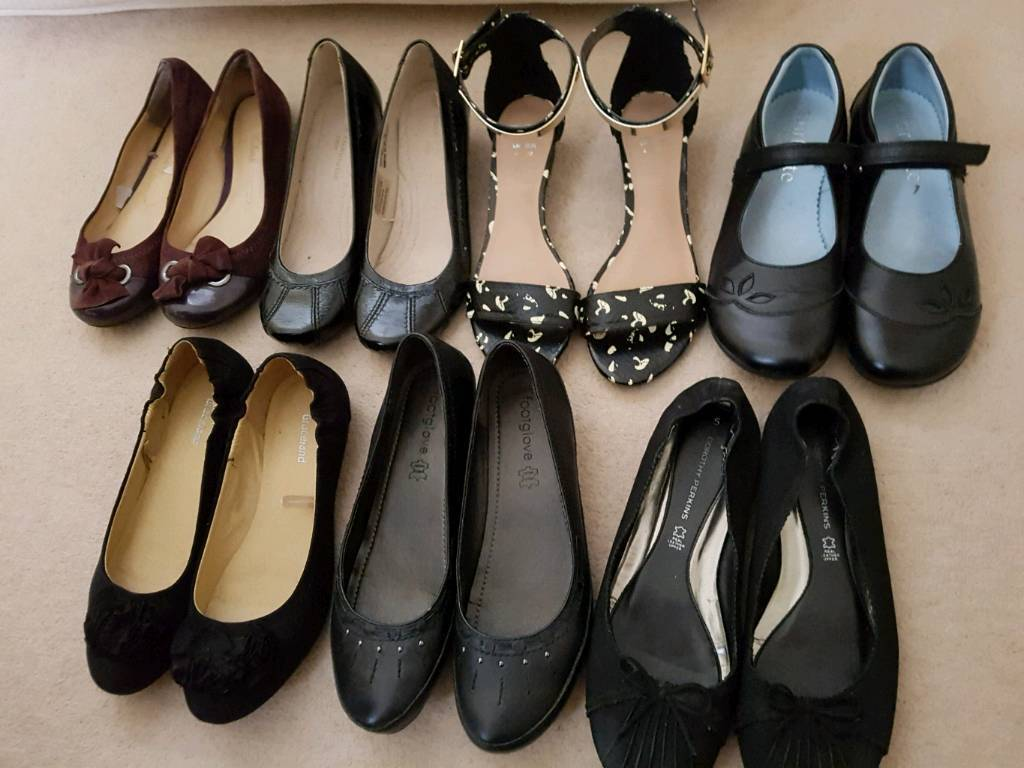 Bundle of womens leather shoes size 4