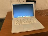 2007 Apple MacBook - Model A1181 (open to offers)