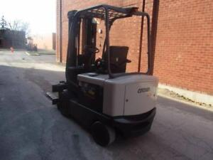 CROWN FORKLIFT ELECTRIC 6000LB CAPACITY WITH ROTATOR