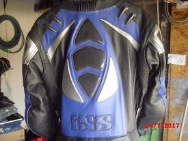 mens two piece IXS leathers in great condition