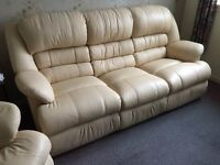 High Backed Ivory 3 Piece Leather Suite in Excellent Condition