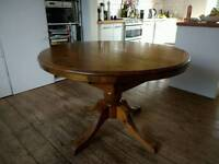 Ducal pine table