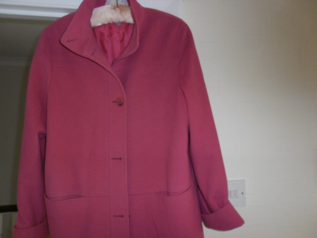LADIES MARKS AND SPENCER 3/4 COAT CLASSIC COLLECTION