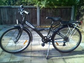 Boy's hybrid bicycle, suitable for 8-12 years (1.35 - 1.55m height), excellent condition