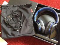 Sony noise reduction headphones