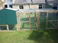 Chicken coop with very big 10ft x 4ft x 4ft run