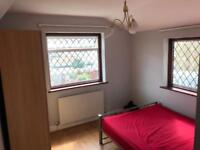 Beautiful Double Room Near Upton Park Station Short or Long Term