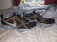Nike trainers- size 7