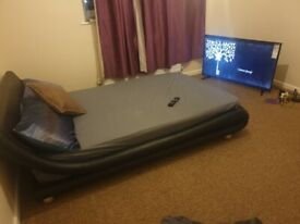 CLEAN DOUBLE ROOM - SHARE HOUSE WITH ONE PROFESSIONAL PERSON - ALL BILLS & INTERNET INC