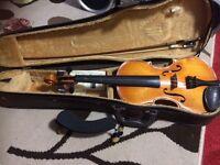 Adult Size Violin, Shoulder Rest, Bow, Resin