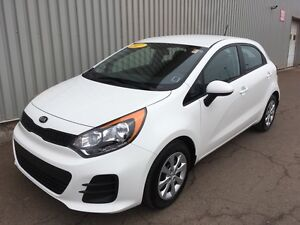 2017 Kia Rio LX+ AWESOME HATCHBACK EDITION WITH LOW KMs, FACT...