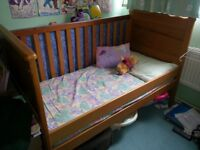 Mamas & Papas Hampton Cot Bed + Mattress