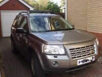 LAND ROVER FREELANDER 2 WITH LEATHER SEATS