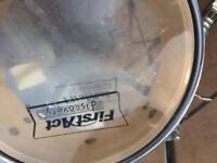Junior drum kit in black.