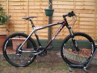 SCOTT Scale 30 CARBON Mountain Bike. 26''wheels. 19''frame. 27speed. SLX. XT. FOX. RRP £1900