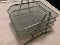 *NEARLY NEW* Mesh Letter Tray - Silver/Grey