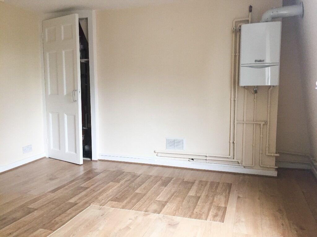 One Bedroom Flat (3rd Floor) in Poplar