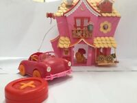 Lalalopsy house, remote control car, 4 mini dolls and accessories