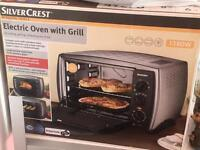 Electric oven with grill. REDUCED