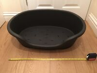 PLASTIC DOG BED SMALL SIZE 61cmx43cm DOGS PUPPIES CANINE CATS PETS COLLECT ROMFORD RM5 CHARITY