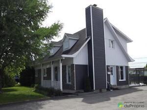 195 500$ - Maison à un étage et demi à vendre à Chicoutimi