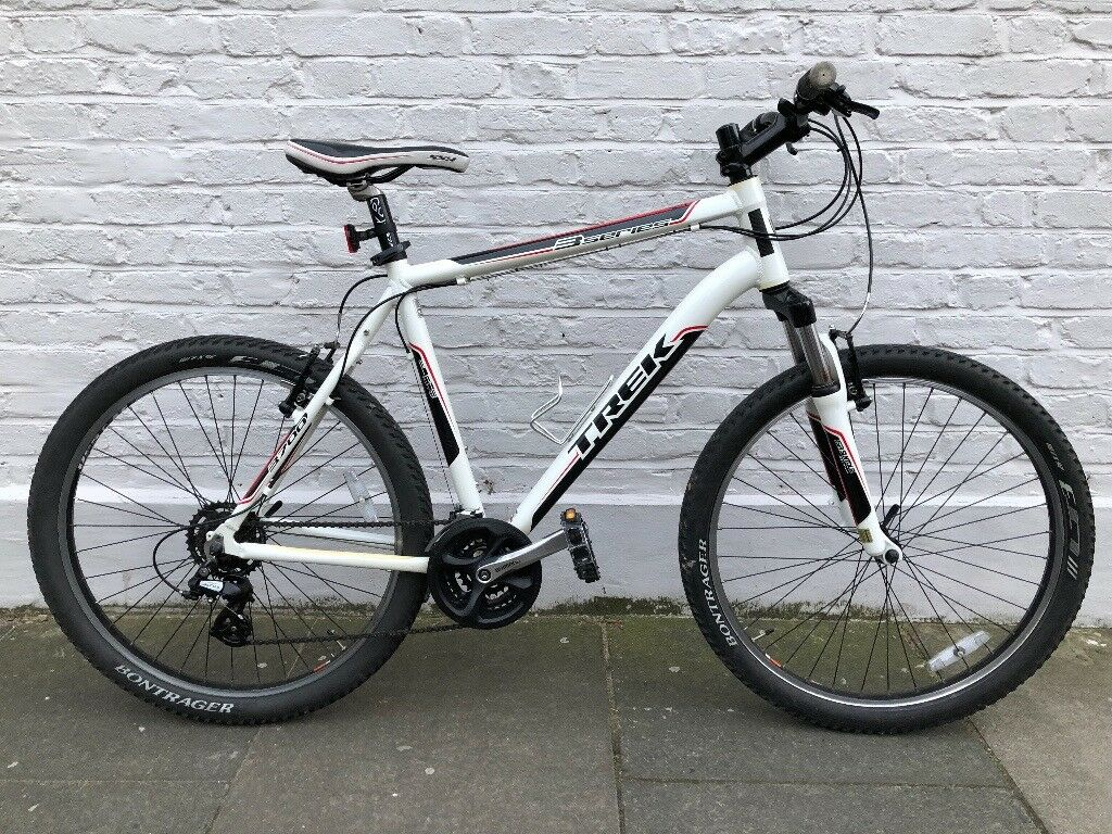 838b8a84dfc Trek 3700 Disc Hybrid Mountain Bike 2011 AS NEW!! (21