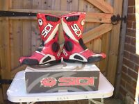 SIDI MOTORCYCLE BOOTS SIZE 8.5