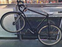 Single speed fixie bike black white