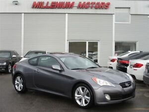 2012 Hyundai Genesis Coupe 2.0T GT / 6-SPEED / LEATHER / SUNROOF