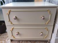 Beautiful vintage style chest of drawers