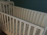 £50 White cot bed with mattress