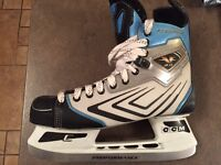 Mens size 10 ice skates used once!