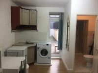 Studio flat in West Kensington. All bills included