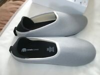 SIZE 7 MAHABIS SLIPPERS