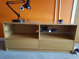 TV Unit, excellent condition.with 2 glass shelves, 2 large drawers and glass top
