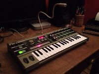 microKORG synth / synthesiser keyboard