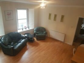 2 double bedrooms in Dunfermline town centre, Bridge Street