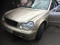 02 MERCEDES C200 PETROL THIS CARS FOR PARTS FOR ANY PARTS CALL ON