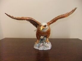 BESWICK BALD EAGLE MODEL NUMBER 1018 IN GLOSS FINISH MADE IN ENGLAND BY BESWICK GOOD CONDITION £40