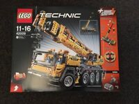 New and sealed Lego Technic Mobile Crane 42009 MKII, Truck, Container Stacker. Discontinued set.