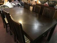 🎅 walnut Table and 6 chairs as new